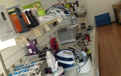 Telefone-Wäschepflege und Küchenhelfer - Elektro Laden Stäfa